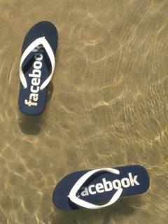 Hình nền đôi dép Facebook cực độc