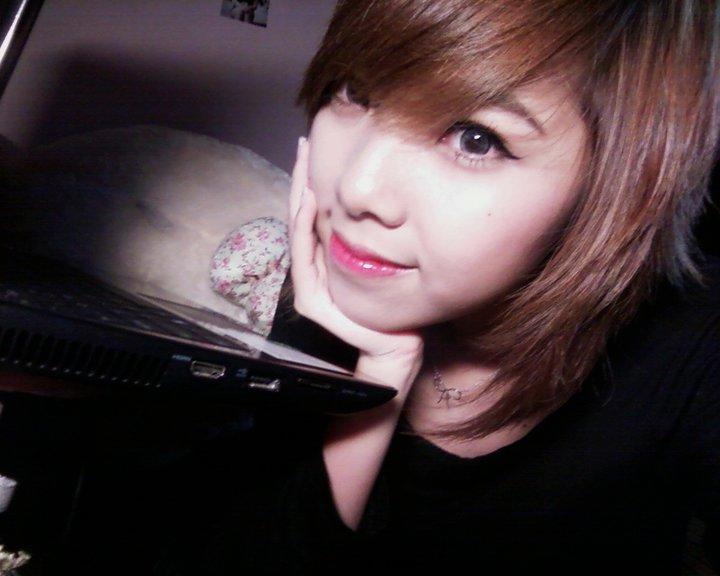 Tải hình nền Girl cực xinh làm avatar