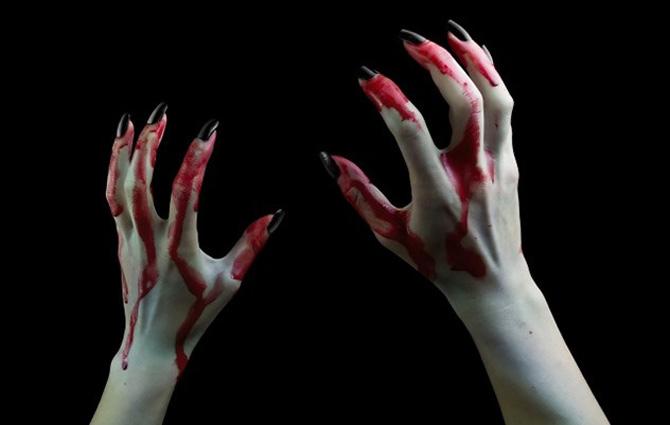 Hình nền kinh dị - Đôi bàn tay đẫm máu