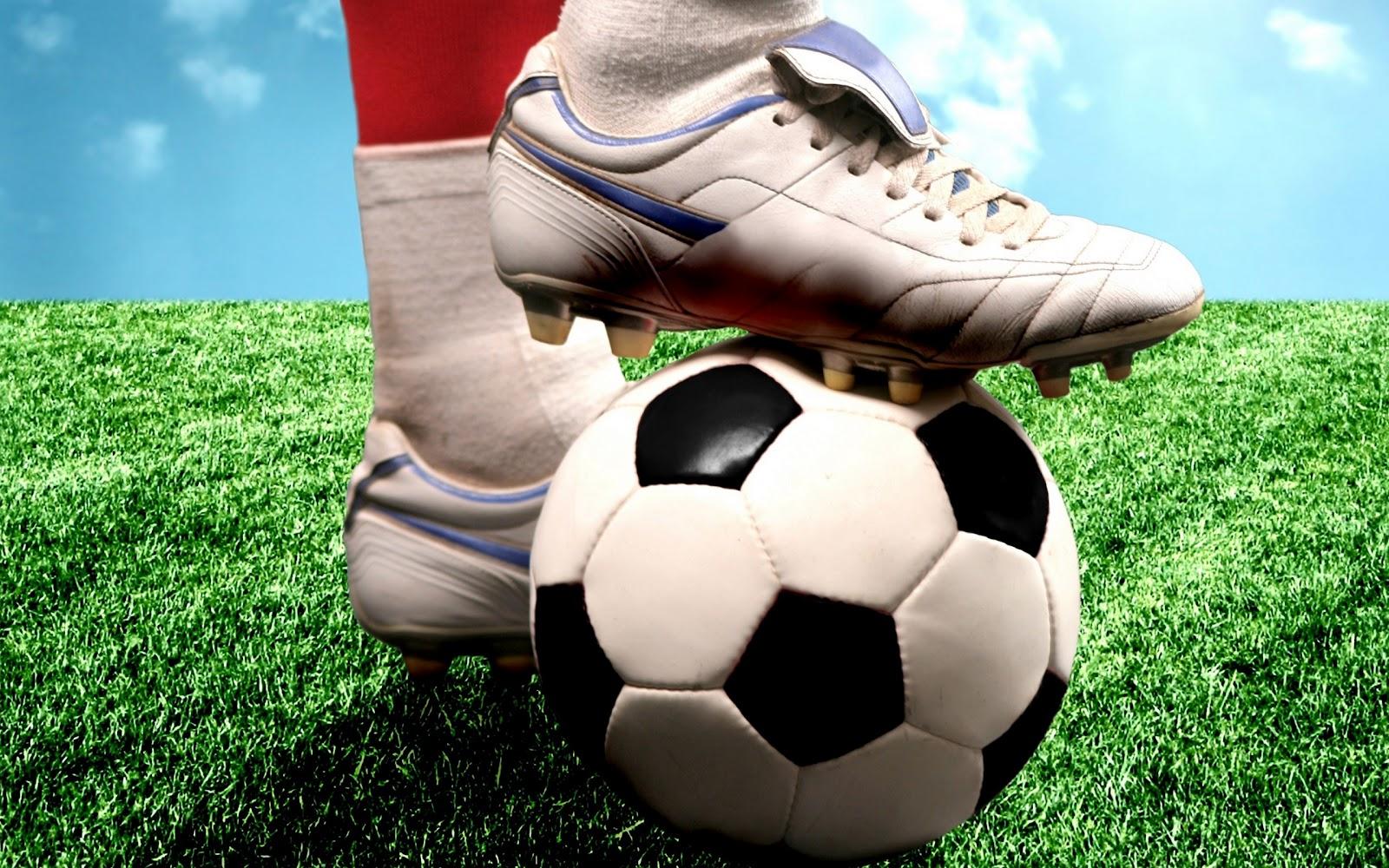 Hình nền thể thao - Chân sút cừ khôi