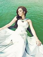 Hình nền girl xinh đắm mình trên sông quê