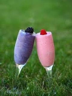 Hình nền mùa hè - Hai ly cocktails tình yêu
