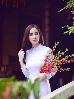 Hình nền girl xinh đẹp nao lòng trong tà áo dài