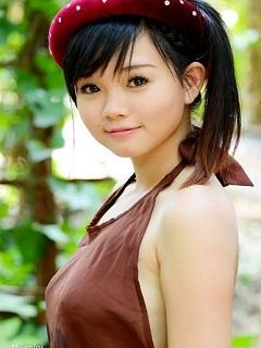 Hình ảnh gái xinh nhất Việt Nam quyến rũ trong chiếc áo yếm