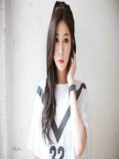 Hinh-nen-girl-cuc-dep-ngay-tho-trong-sang-nam-2018