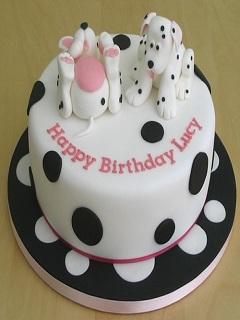 Ngắm hình ảnh bánh sinh nhật hình con chó Lucky đáng yêu