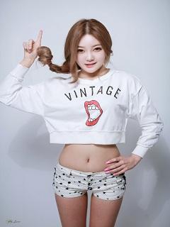 Xem-anh-girl-dep-xinh-voi-hinh-the-chuan-khong-can-chinh